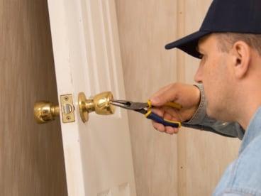 TLBOMBIN - Cerrajero-Herrero-reparaciones a domicilio
